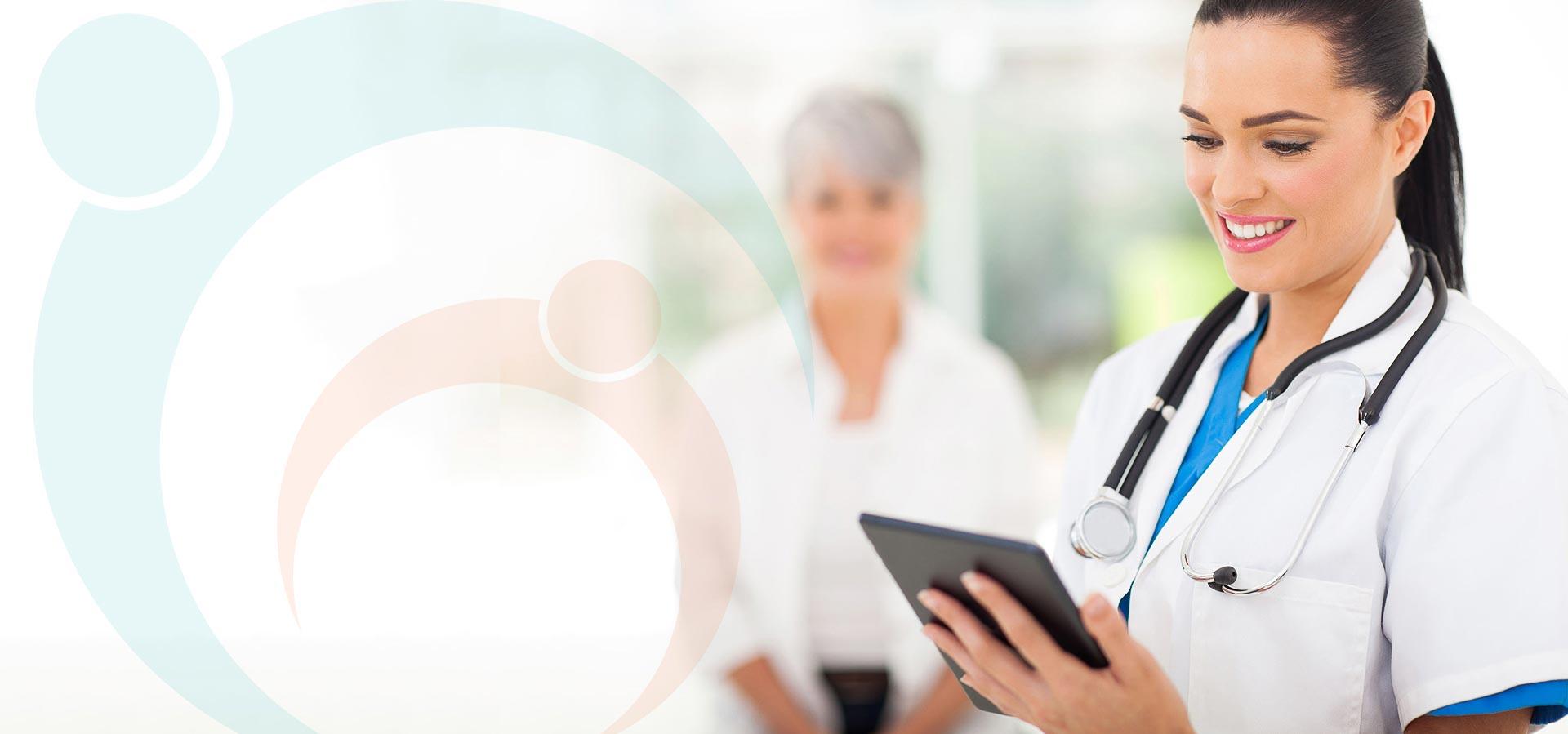 medic zambind in timp ce vizualizeaza rezultate medicale