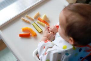 Autodivesificarea alimentatiei bebelusului 300x200 - Diversificarea alimentatiei la bebelusi